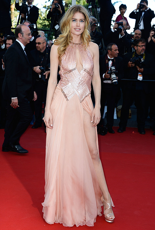 Another Sexy Look For Doutzen Kroes At Cannes