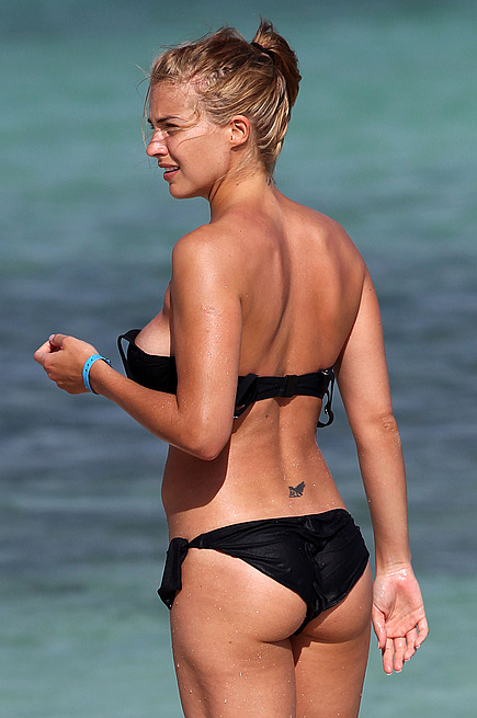 Sexy new bikini pics of Gemma Atkinson.