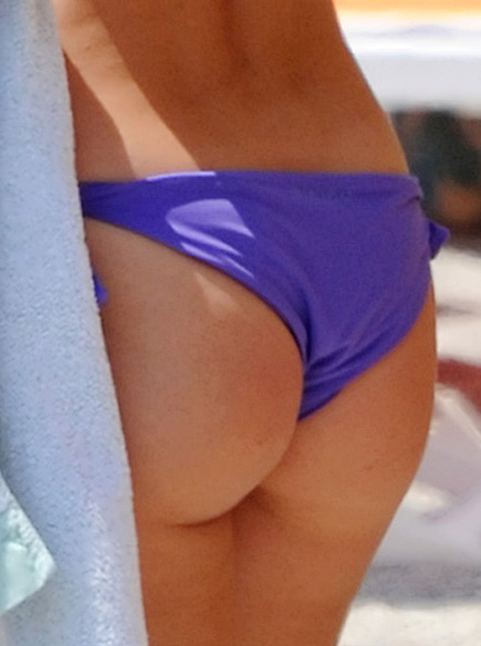 Michelle Hunziker ass shot