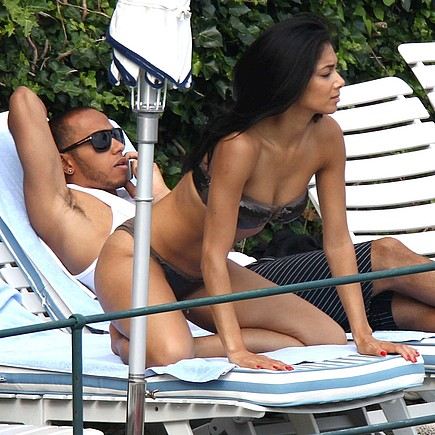 tn nicole scherzinger Nicole Scherzinger and Lewis Hamilton vacation in Italy