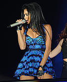 tn nicole scherzinger 4 Um ... Nicole Scherzinger? Whatcha doin with that microphone?