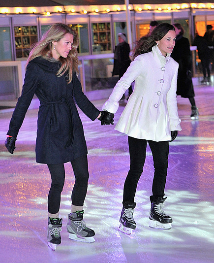 Famous Pippa Middleton goes skating