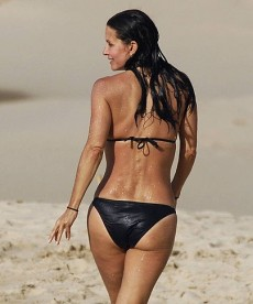 Incredible Courteney Cox Hits The Beach Again