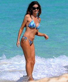 Denise Richards In The Bahamas