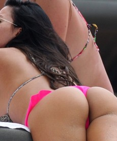 Karina Jelinek Shows Off Her Fantastic Ass In Miami