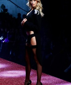 Karolina Kurkova Walks The Runway For Yamamay