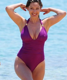 Curvy Kelly Brook In Greece