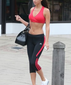 Lucy Mecklenburgh Shows Off Her Ridiculous Body