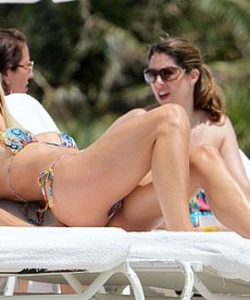 Michelle Hunziker Keeps It Sexy In Her Bikini