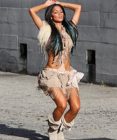 Nicole Scherzinger On The 'Right There' Video Set
