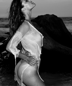 Nina Agdal Gets Sexy On The Beach