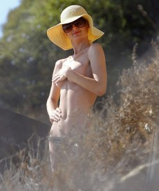Paris Hilton Bares It All… Sort Of