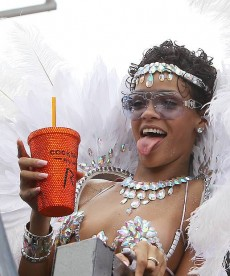 Rihanna Is Just Too Freaking Hot To Deal With