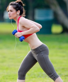 Sarah Shahi Stays Fit And Sexy