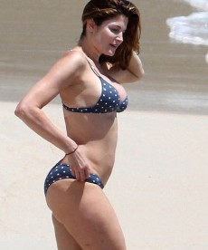 Stephanie Seymour Hits The Beach Again