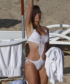 Stephanie Seymour Continues Her Beach Vacation