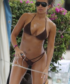 Vida Guerra And Her Ridiculous Body In Hawaii