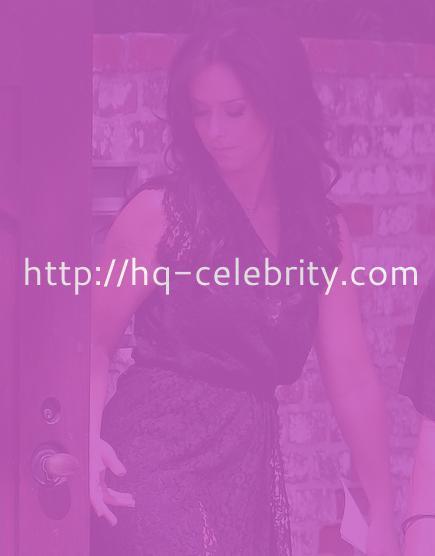 Is Jennifer Love Hewitt fat?