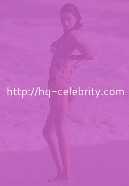 Stunning new bikini pics of Adriana Lima