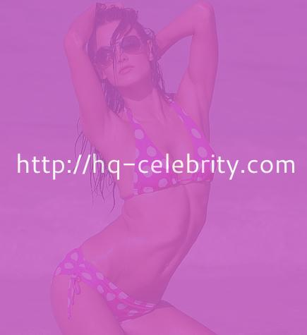 Alessandra Ambrosio in three sexy bikinis