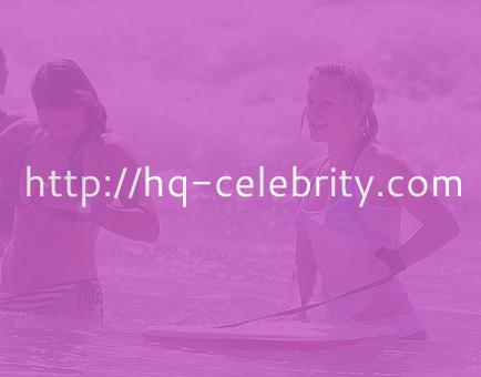 Anna Paquin boogie boarding