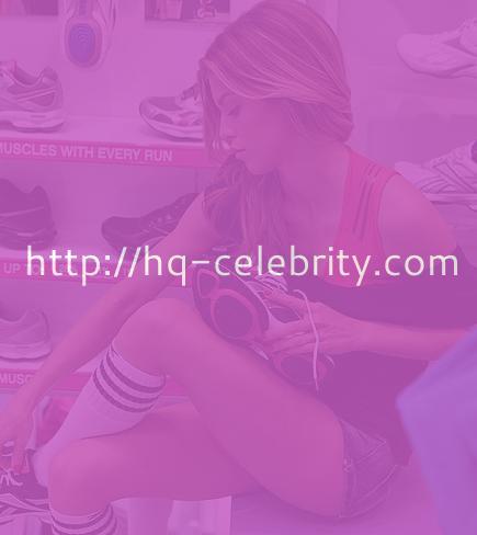 tn 8 AnnaLynne McCord buys shoes