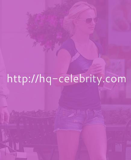 Britney Spears at Starbucks in Los Angeles