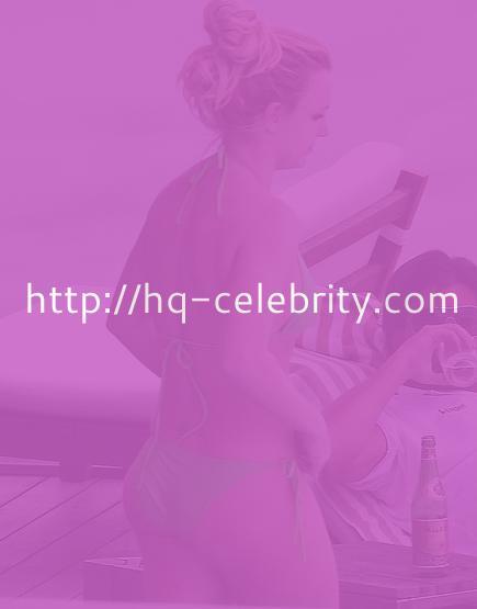 New bikini pics of Britney Spears