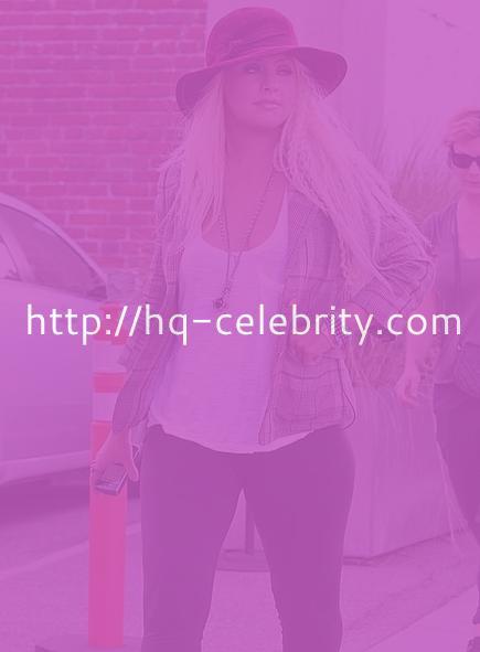 Christina Aguilera camel toe pics