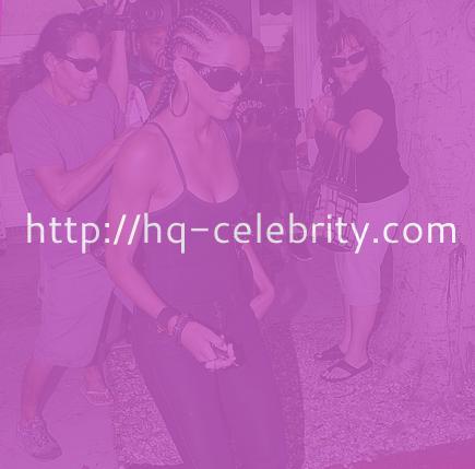 Ciara caught buying lip colors