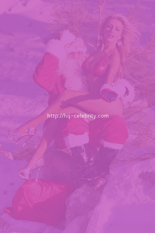 После шикарного отсоса Дед Мороз трахнул горячую