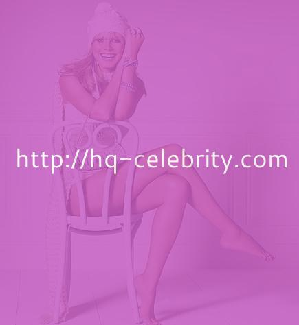 Heidi Klum looks hot