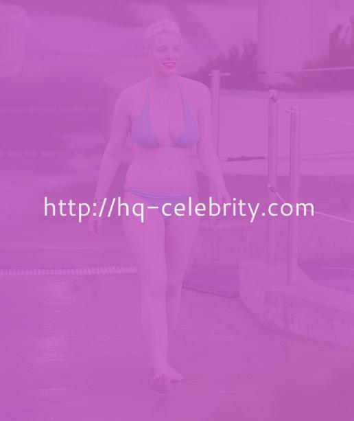 And Now Some Helen Flanagan Bikini Pics I Actually Like