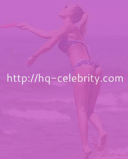 Sexy bikini pics of Ilary Blasi