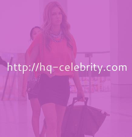 Jennifer Hawkins traveling?