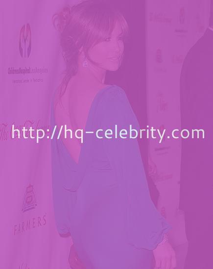 The curvaceous Jennifer Lopez