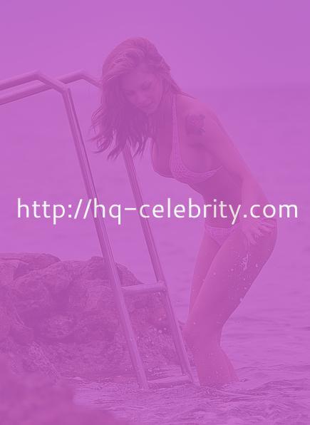 Sexy bikini pics of Jessica Jane Clement.