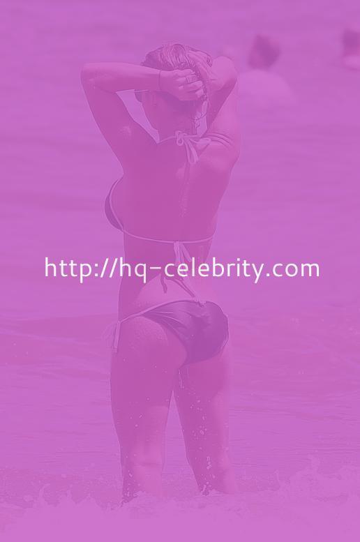 Jessie James Shows Off Her Bikini Body