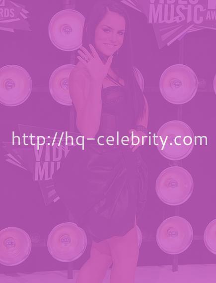 JoJo at the 2011 MTV VMAs