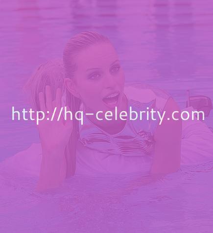 Sexy HQ pics of Karolina Kurkova