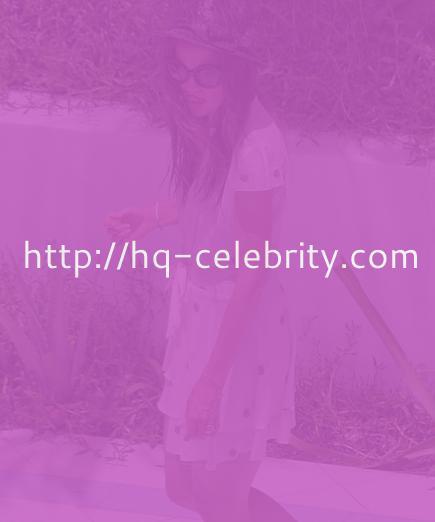 tn katie holmes 4 Katie Holmes celebrates Tom Cruises birthday