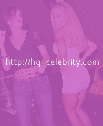 Kendra Wilkinson emphasizes her ASSets