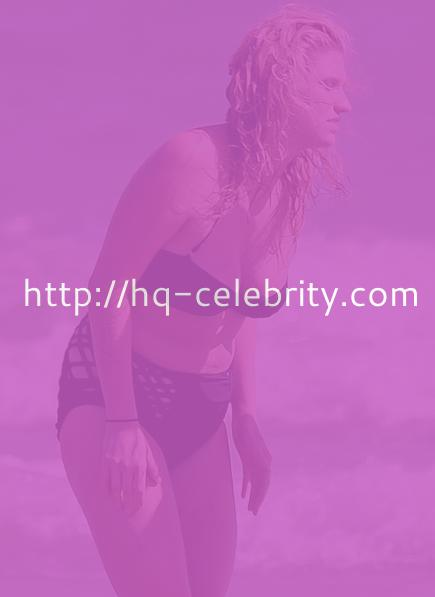 Kesha wears your Grandmothers bathing suit