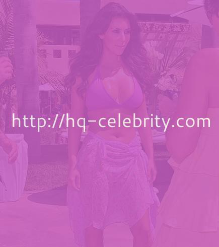 Kim Kardashian and her boob show