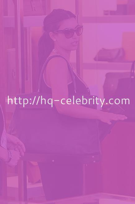 Kim Kardashian does a little shopping