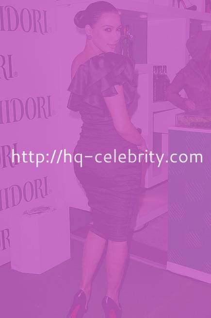 Kim Kardashian in sexy black one shoulder dress
