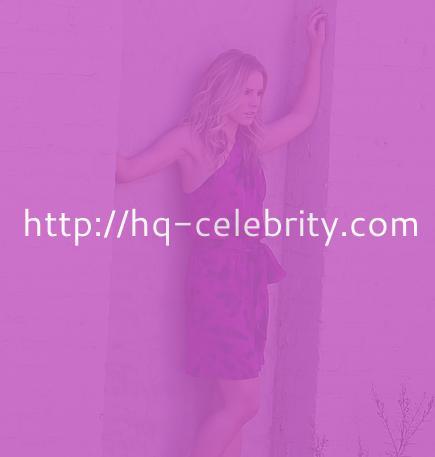 Kristen Bell in purple one shoulder dress