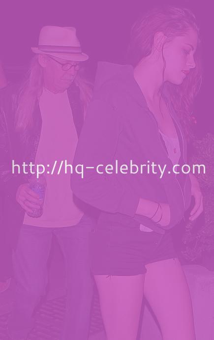 Kristen Stewart looking like Kristen Stewart.
