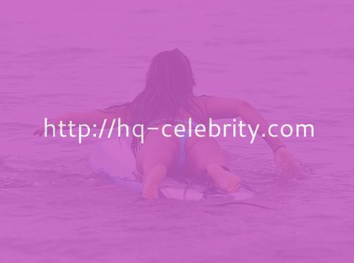 Leilani Dowding Is So Sexy On Her Surfboard