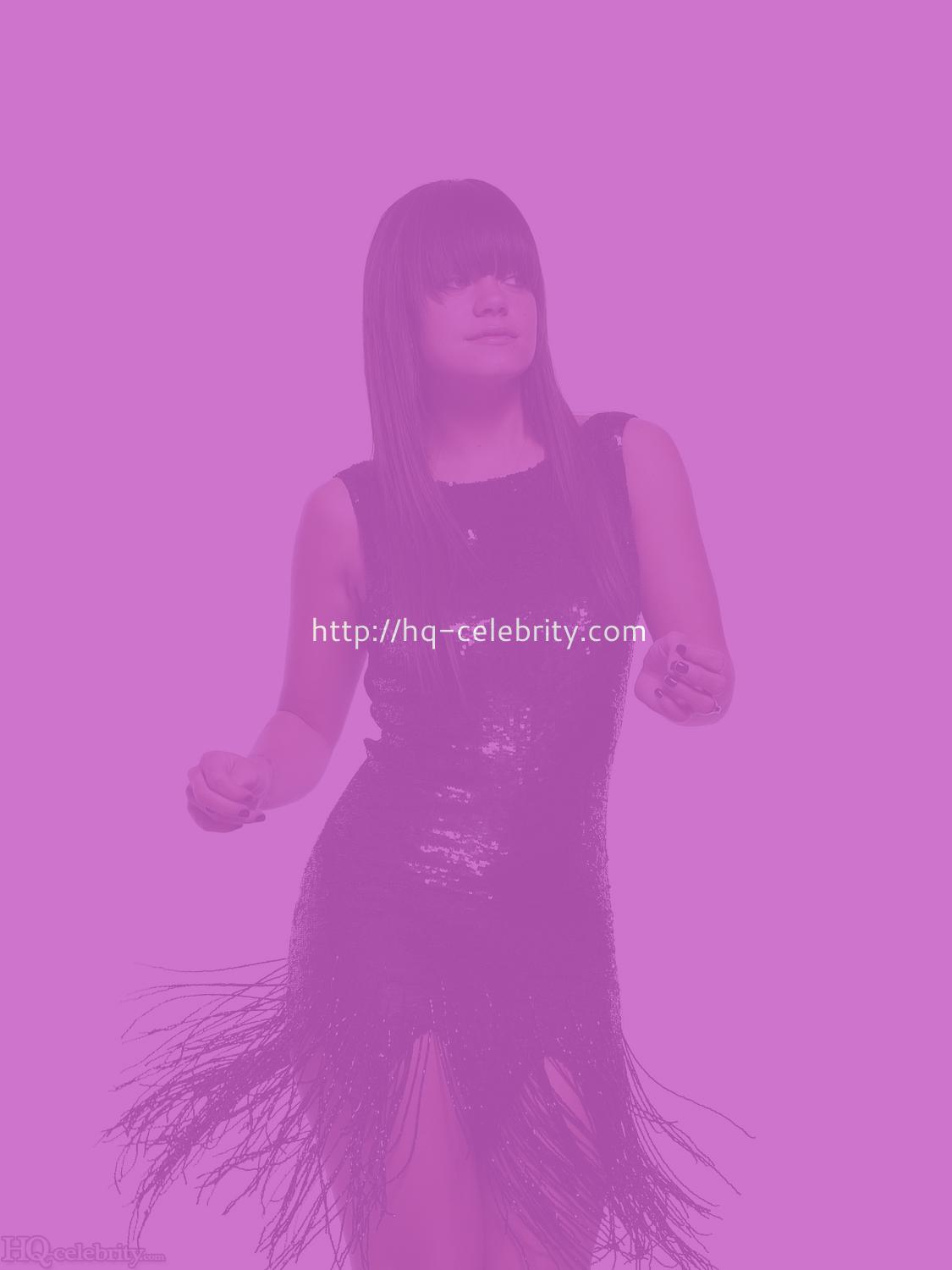 Lily Allen is sexy in fun new photo shoot.